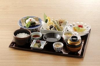 旬の食材を使用した【夏メニュー】をお楽しみください!